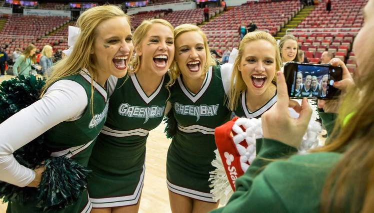 Green-Bay-cheerleaders